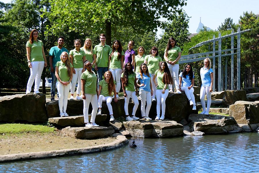 Die komplette Azubiklasse 2015 Gruppenfoto
